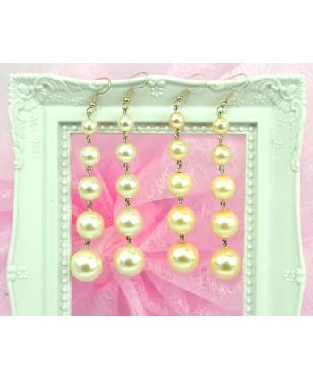 Kolczyki  na biglu długie białe i ecru perełki