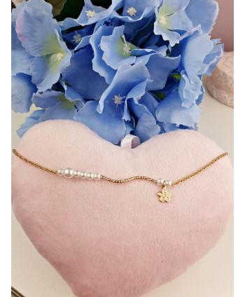 Bransoletka na kostkę z perełkami i kwiatuszkiem