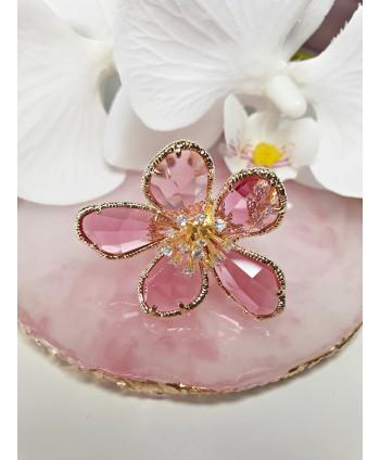 Niesamowity pierścionek z kwiatem