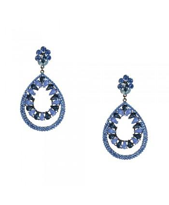 Kolczyki wysadzane niebieskimi kryształkami