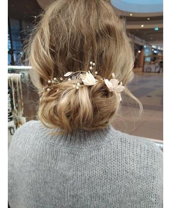 Ozdoba do włosów delikatna z kwiatuszkami