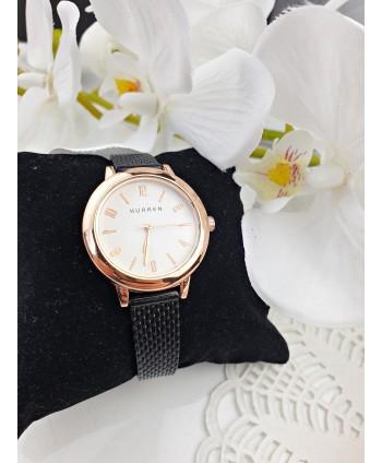 Zegarek damski na czarnym pasku