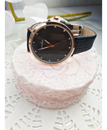 Zegarek damski z czarnym wytłaczanym paskiem