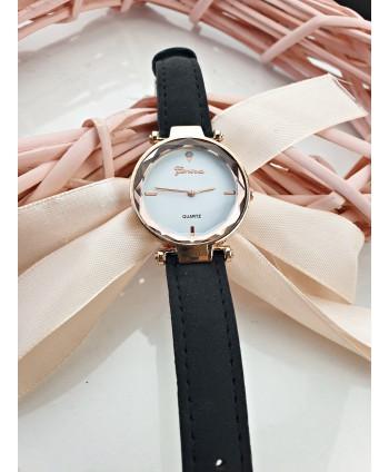 Zegarek damski prosty z białą tarczą