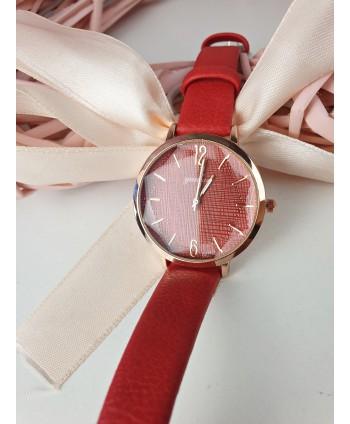 Zegarek damski na czerwonym pasku