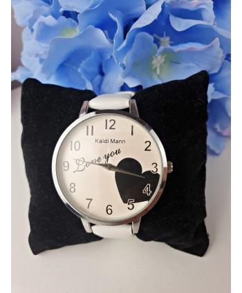 Zegarek damski biały z serduszkiem