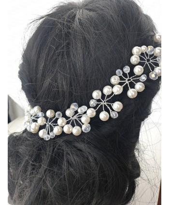 Ozdoba na druciku z perełkami