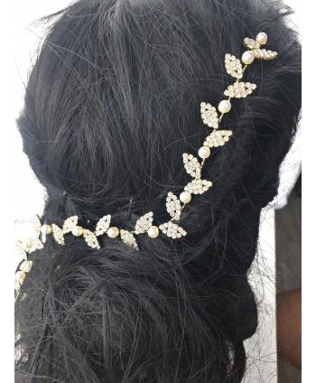 Ozdoba na druciku złota z perełkami