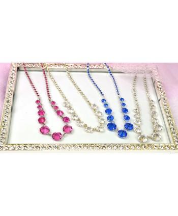 Naszyjnik ze stopniowanymi kryształkami w srebrnej oprawie w wielu kolorach do wyboru