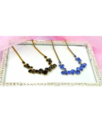 Naszyjnik z kryształkami w skupisku w złotej oprawie w kolorach do wyboru