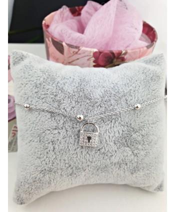 Naszyjnik z wiśniowych perełek stopniowany dwurzędowy